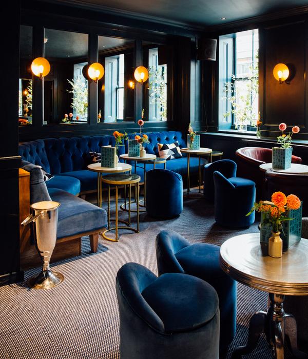 Quo Vadis (London, UK), Luxury