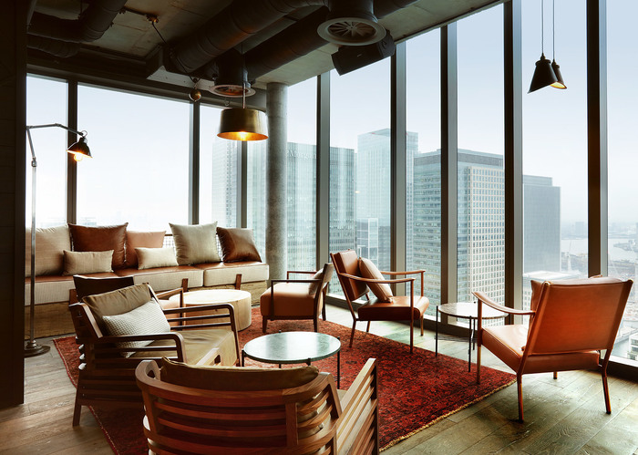 Bokan 2 column retouched web bar lounge view