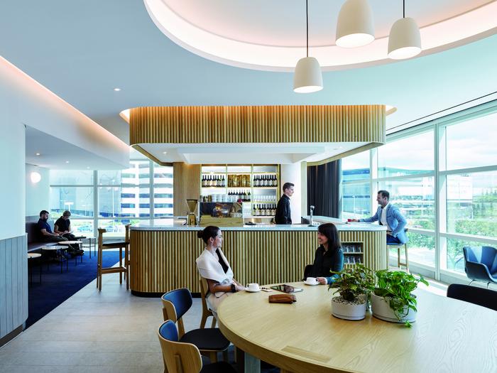 Qantas Domestic Brisbane Lounge (Brisbane, Australia), Australia ...