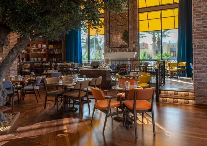 Urth Caffe (Jeddah, Saudi Arabia)   2019 Restaurant & Bar