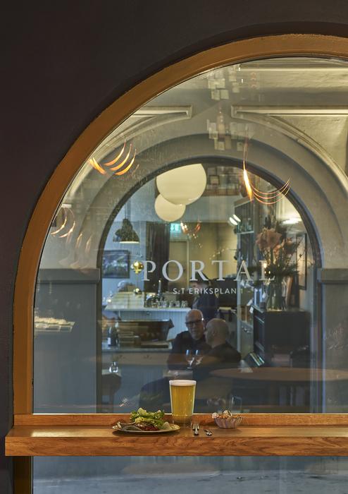 Portal Bar